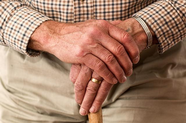 שיקום לאחר ניתוח החלפת מפרק ירך - Restart Therapy שיקום פרטי בבית