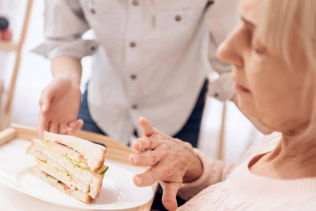 טיפול בבעיות בליעה לחולי פרקינסון - Restart Therapy