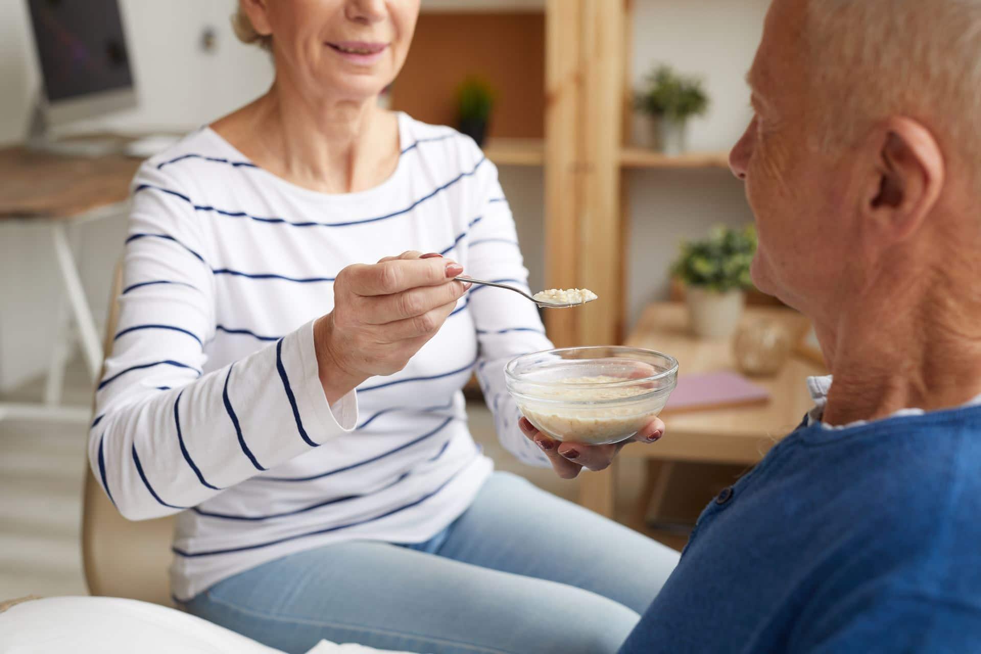טיפול בבעיות בליעה לחולי פרקינסון - Restart Therapy מומחים בשיקום פרטי בבית הלקוח