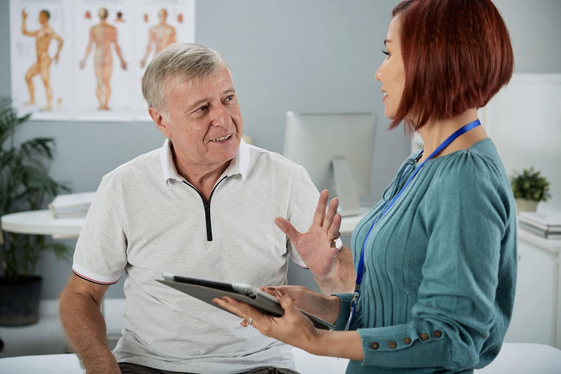 קלינאית תקשורת לאחר אירוע מוחי - Restart Therapy מומחים בשיקום פרטי בבית הלקוח