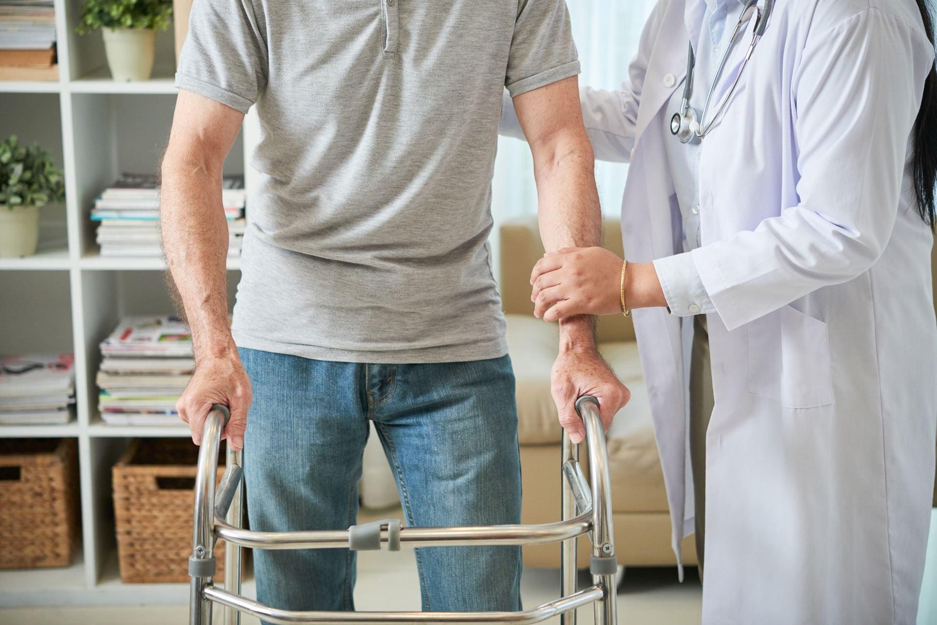 שיקום לאחר ניתוח עמוד השדרה - Restart Therapy שיקום בבית